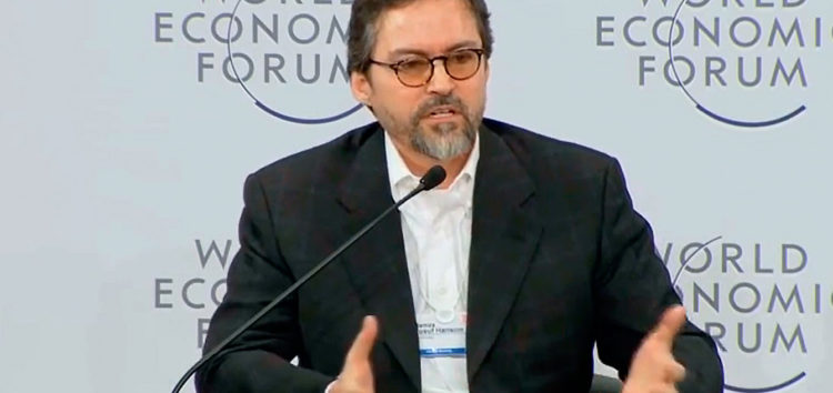 Shaykh Hamza Yusuf tackles Gay Muslims issue
