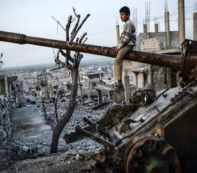 Civilian deaths as Syrian forces hit rebel-held Idlib