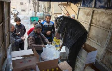Aleppo bombs continue as food aid runs out