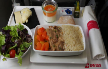 Use 'Muslim' meals to profile passengers, airline urges authorities