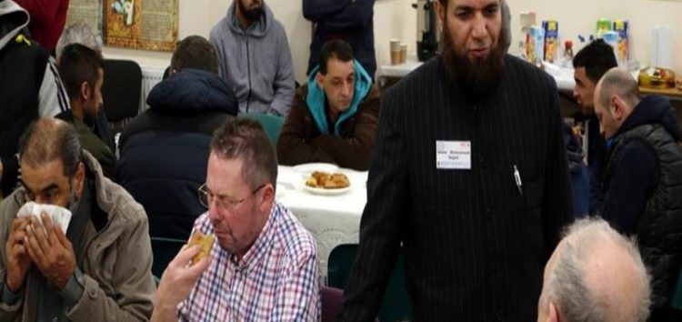UK Muslims open doors to fight bigotry#VisitMyMosque