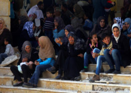 Syrian town evacuations resume after 48-hour suspension #SyriaWar