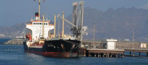 Aid agencies warn that an Attack on Yemen's port would push country nearer famine