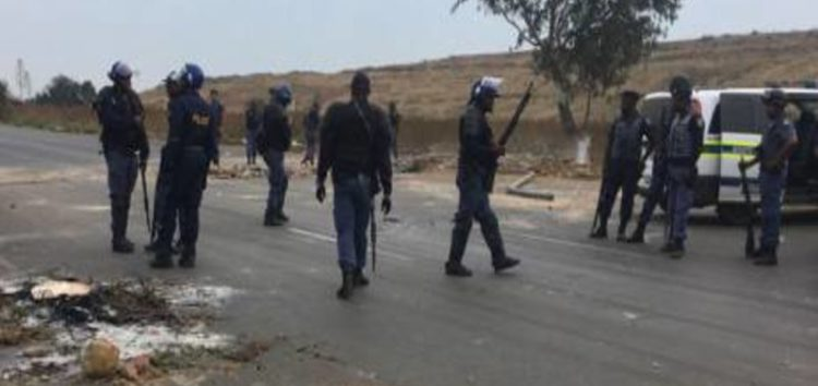 Chaos erupts as police clash with protesting residents in Eldorado park