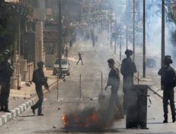 Israeli forces shoot and wound 11 Palestinians on strike in solidarity with prisoners