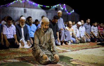 Houthis ban taraweeh prayers in Sana'a