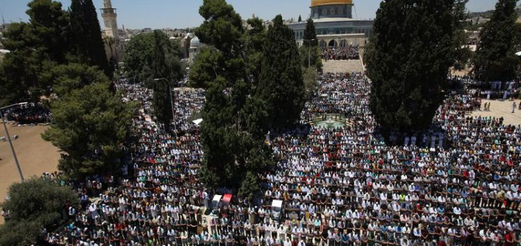 Netanyahu 'temporarily' lifts ban preventing Israeli MKs visiting Al-Aqsa