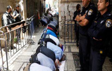 Israel steals important Jerusalem property deeds from Al-Aqsa
