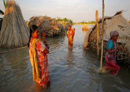 Death toll crosses 800 in South Asia floods