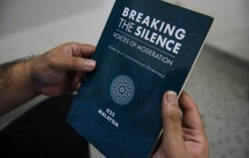 Malaysia government sparks anger with ban on moderate Islam book