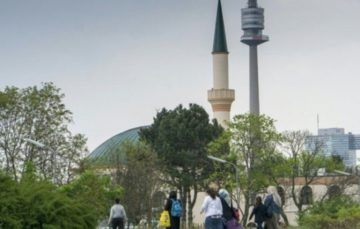 Austrian Muslims caught in election crossfire