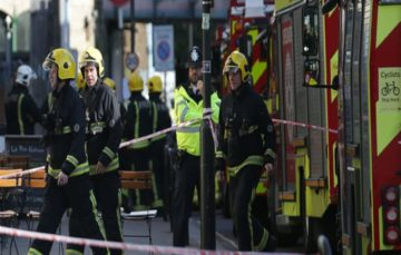 Blast at Parsons Green station causes panic, leaves many injured