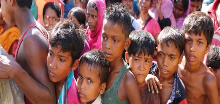 Fresh Rohingya refugees arrive in Bangladeshi camps