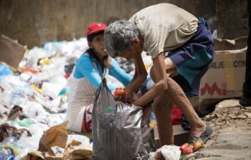 Venezuelan families scavenge for food to survive hunger