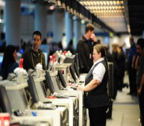 US seeks electronic ban for checked luggage: report