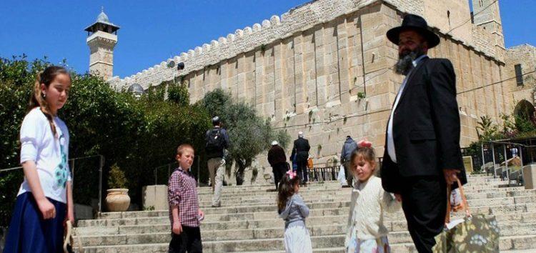 40,000 Israeli settlers storm into Ibrahimi Mosque in Hebron