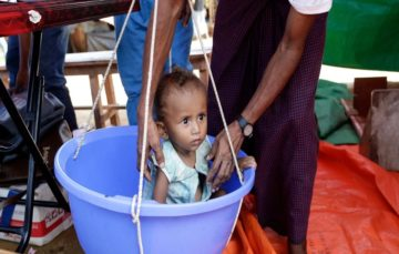 Rohingya Muslims 'being starved out' by Burmese army as new surge crosses into Bangladesh