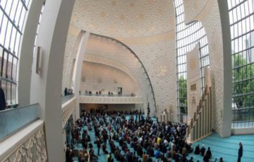 Mosques around Germany host open day for non-Muslims
