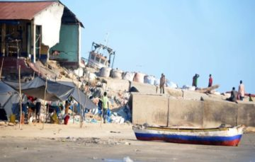 Cities in Mozambique slowly being swallowed by rising sea level