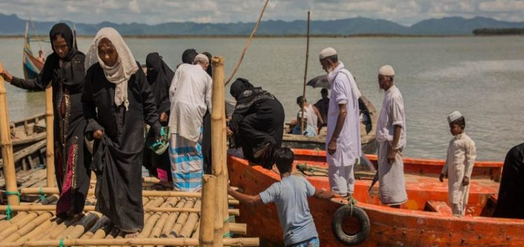 "Israel accuses Muslims in Burma of ""committing war crimes"""