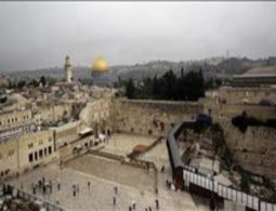 Beirut mulls opening Palestine embassy in Jerusalem