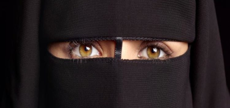 Quebec: Niqab ban suspended following legal challenge