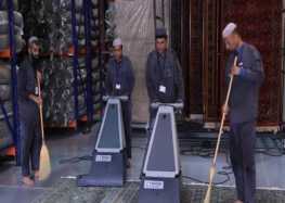 Interesting: How the carpets in Masjidal Haram are cleaned