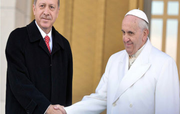 Erdogan, Pope discuss joint efforts against use of misleading remarks that could equate Islam with terrorism