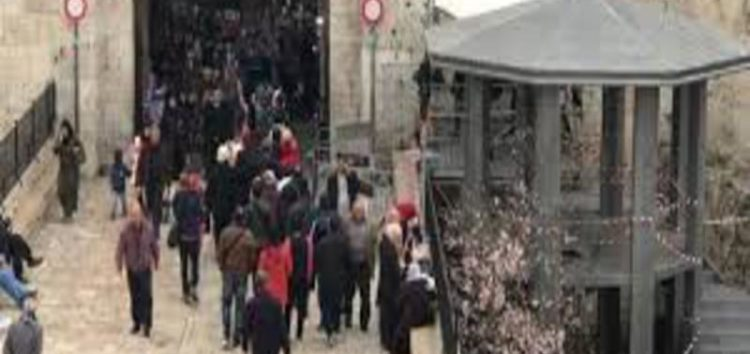 Israel installs checkpoint at entrance to Old city of Jerusalem gate in latest attempt to gain control of Jerusalem