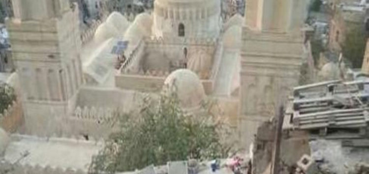 Yemen: Historical Masjid in Taiz damaged by Houthi shelling