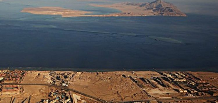 Egypt given the green light by Israel to hand over the two islands to Saudi Arabia