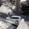 Eastern Ghouta: Air strikes resume as aid convoy enters area