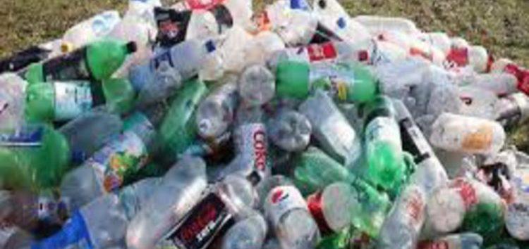 England:In a bid to cut waste,consumers who return plastic bottles will be paid
