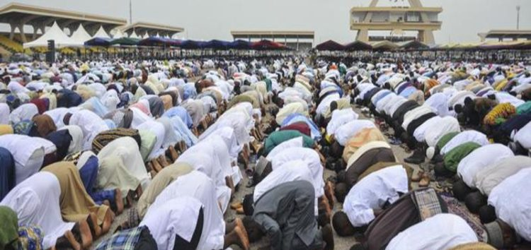 Authorities in Ghana order Masjids to use whatsapp to call out the azaan