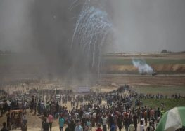 Gazans maintain rallies near Israel fence, despite the risk