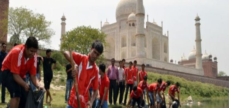 Taj Mahal colour change worries India Supreme Court