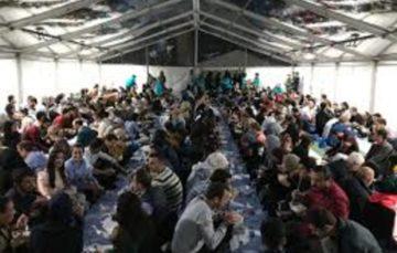 Ramadaan Tent Project: Muslim community hosts open iftaar for British public