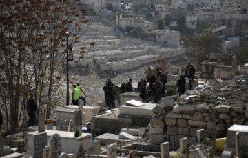 Israel forces excavate Palestinian graves in Jerusalem