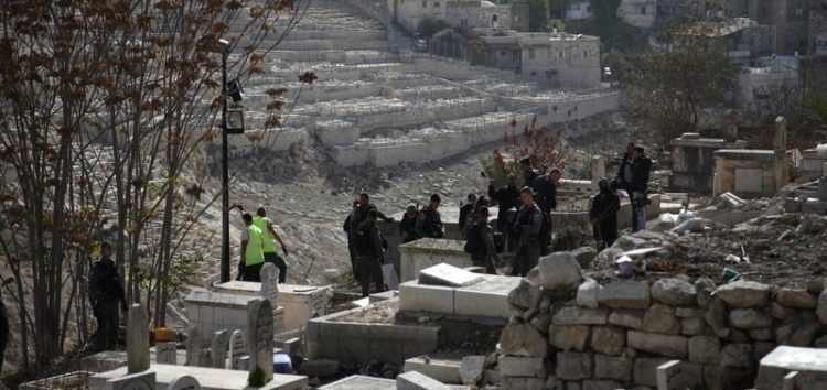 Israel forces excavate Palestinian graves in Jerusalem