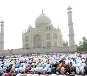 Supreme court bans outsiders from praying salaah in Taj mosque