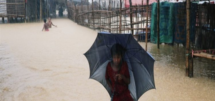 Flood hits over 300 Rohingya shelters in no man's land
