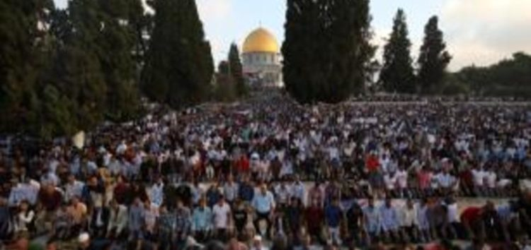 100,000 Muslims perform Eid prayers at Al-Aqsa