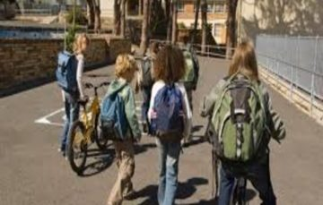 Children to be banned from cycling to school without number plates