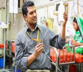 Meet Mohamed Chisti- The doctor who uses plastic bottles instead of expensive ventilators to save babies with pneumonia