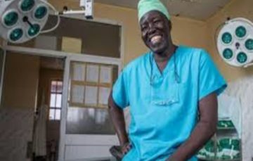 South Sudan surgeon wins UN prize for treating war-hit refugees