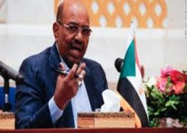 Sudan's president dissolves cabinet in a bid to fix economy
