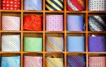 Ties and bags on loan at US library for job interviews