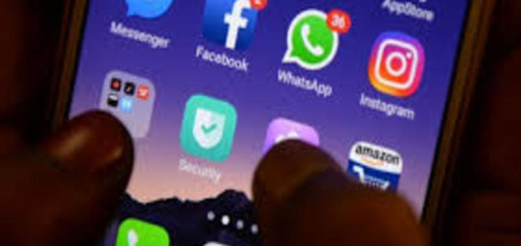 Marriage called off due to bride's whatsapp addiction