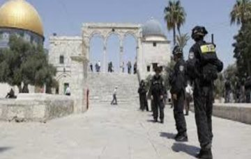 Israeli settlers break into al-Aqsa compound under police escort