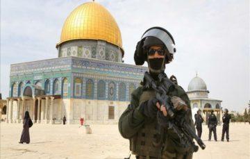 Israeli settlers, police storm J'lem's Al-Aqsa compound